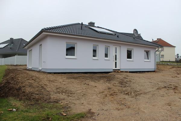 Neubauvorhaben für Einzel- und Doppelbungalows in 23936 Grevesmühlen, Wohngebiet &#8222;Mühlenblick&#8220; <br> Es besteht derzeit noch die Möglichkeit diesen Bungalow in Klütz zu besichtigen.