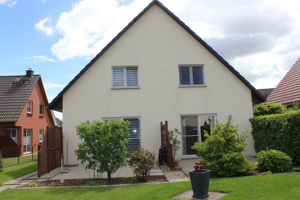 Schönes Wohnhaus mit zwei Wohneinheiten in sehr guter Lage zu verkaufen!