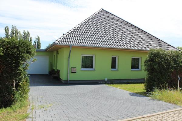 Neuwertiges Einfamilienhaus im Bungalow – Stil zu verkaufen!