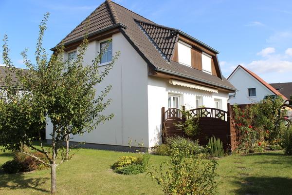 """Sehr schönes Einfamilienhaus in  bevorzugter Lage zu verkaufen!  (Hansestadt Wismar, Wohngebiet """"Gartenstadt"""" Narzissenweg )"""