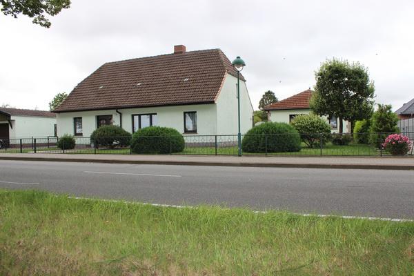 Wohnen an der Ostsee – Am Salzhaff, OT Pepelow!  – Zwei Wohnhäuser – viele Nutzungsmöglichkeiten –